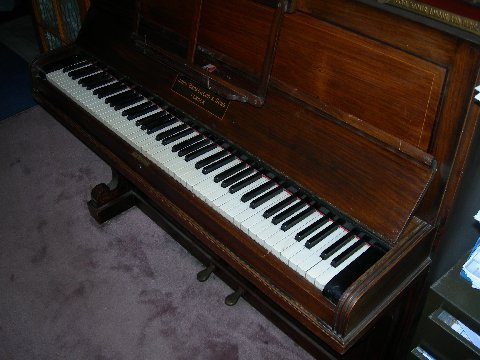 images/Old Broadwood Used Piano