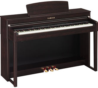Yamaha CLP440 in dark rosewood