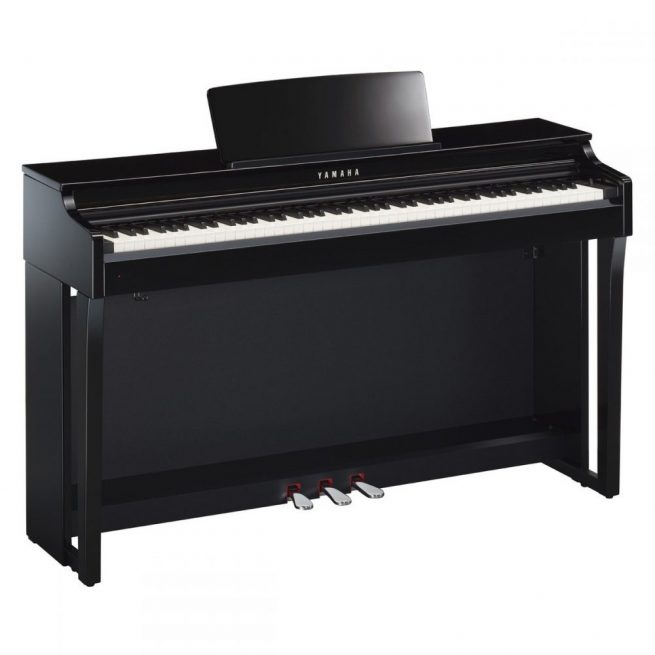 Yamaha CLP625 in Polished Ebony